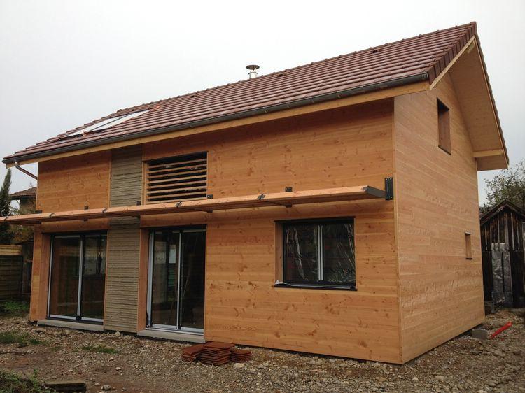 les toits du tri ves r alisation maison ossature bois bbc coublevie 2013